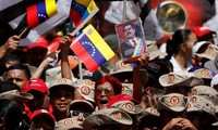Người Venezuela tuần hành ủng hộ Tổng thống Maduro hậu ám sát hụt