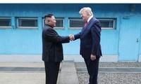 Báo Triều Tiên viết gì về cuộc gặp của hai ông Trump - Kim?