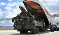 Linh kiện S-400 được đưa đến Nga hôm qua, 12/7. Ảnh: Bộ Quốc phòng Thổ Nhĩ Kỳ