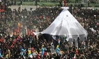 Lễ Ashura ở Karbala. Ảnh: Reuters