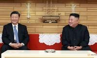 Chủ tịch Trung Quốc Tập Cận Bình và Chủ tịch Triều Tiên Kim Jong-un trong cuộc gặp hồi tháng 6/2019 tại Bình Nhưỡng. Ảnh: Reuters