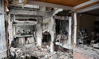 Bên trong quán ăn nơi xảy ra vụ nổ sáng 13/10. Ảnh: Tân Hoa Xã