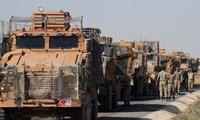 Lực lượng Thổ Nhĩ Kỳ ở thị trấn biên giới giáp Syria. Ảnh: Reuters