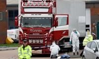 Hiện trường vụ phát hiện thi thể 39 người trên xe container. Ảnh: Sky News