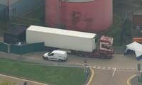 Hiện trường vụ phát hiện chiếc container chứa 39 thi thể ở Essex (Anh). Ảnh: Sky News