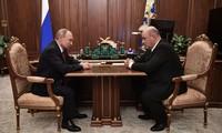 Ông Mikhail Mishustin (phải) gặp Tổng thống Putin. Ảnh: Sputnik