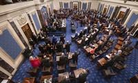 Thượng nghị sĩ Mỹ tuyên thệ ngày 16/1. Ảnh: CNN