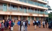 Trường học nơi xảy ra vụ tai nạn. Ảnh: Reuters