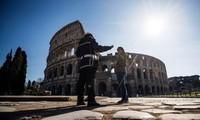 Nước Ý vắng như tờ trong 'những ngày đen tối nhất' vì Covid-19