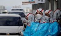 Nhân viên y tế Hàn Quốc. Ảnh: Reuters