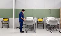 Iran dựng bệnh viện dã chiến chữa Covid-19 trong trung tâm thương mại