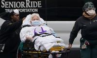 Một bệnh nhân COVID-19 ở New York (Mỹ). Ảnh: Reuters