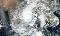 Bão Amphan nhìn từ vệ tinh. Ảnh: NASA