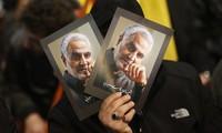 Di ảnh Tướng Soleimani. Ảnh: Tân Hoa Xã