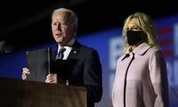 Ông Biden phát biểu đêm 3/11, kêu gọi cử tri kiên nhẫn chờ kiểm phiếu. Ảnh: AP