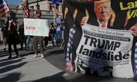 Người biểu tình ủng hộ ông Trump ở Pennsylvania. Ảnh: Reuters