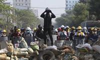 Hàng chục nghìn người Myanmar biểu tình, cảnh sát nổ súng ở cố đô Baga