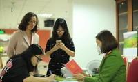 Công an TP Hà Nội làm thẻ căn cước công dân xuyên đêm