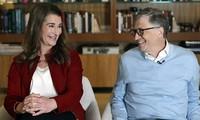 Vợ chồng tỉ phú Bill Gates thuở còn mặn nồng. Ảnh: AP