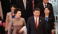 Vợ chồng ông Tập Cận Bình cùng 2 uỷ viên Bộ Chính trị thăm Triều Tiên
