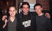 Ba hacker khét tiếng (từ trái qua): Adrian Lamo, Kevin Mitnick, Kevin Poulsen. Ảnh chụp năm 2001. Nguồn: Wikipedia.