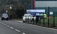 Xe cảnh sát tại hiện trường vụ việc. Ảnh: Daily Mail.