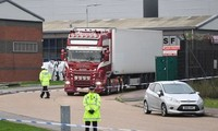 Chiếc xe tải đông lạnh chở 39 thi thể được phát hiện hôm 23/10 tại Anh. Ảnh: PA.