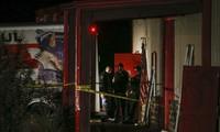 Cảnh sát khám nghiệm hiện trường vụ xả súng ngoài khuôn viên Trường Đại học Texas A&M. Ảnh: Dallas News.