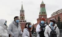 Du khách Trung Quốc ở thủ đô Mátxcơva của Nga hồi tháng 1. Ảnh: EPA.