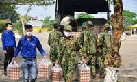Thành Đoàn Đà Nẵng trao tặng đồ bảo hộ và nhu yếu phẩm hỗ trợ cho các khu cách ly tập trung trên địa bàn thành phố với tổng trị giá 80 triệu đồng