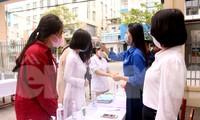 Sở GD&ĐT TP Đà Nẵng yêu cầu các trường có điểm thi tốt nghiệp THPT năm 2020 phải thực hiện nghiêm các biện pháp phòng chống dịch COVID – 19 sau khi địa phương này phát hiện 1 ca nghi nhiễm COVID - 19 đã dương tính 3 lần