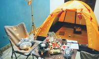 """Ở nhà vẫn """"chill"""": Cắm trại ngay trong căn nhà của mình, tại sao không nhỉ?"""