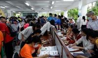 Trường ĐH Sư phạm - ĐH Đà Nẵng: Mưa to cũng không thể cản bước chân tân sinh viên nhập học
