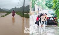 """Đi học chưa đầy một tháng, teen Đà Nẵng lại """"ngừng đến trường"""" vì mưa lũ"""