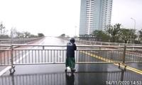 Đà Nẵng: Dừng lưu thông cầu, tạm đóng cửa sân bay để phòng tránh bão số 13