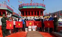 Tháng Thanh niên 2021: Nghệ An tổ chức trồng cây, tặng cờ Tổ quốc cho ngư dân ra khơi bám biển
