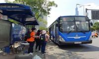 TP.HCM: Không đeo khẩu trang khi lên xe buýt, bạn có thể bị mời xuống xe