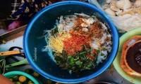 Hẹn hò Sài Gòn: Phá lấu và Bánh tráng - bộ đôi hoàn hảo cho bữa xế ngày mưa