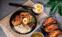 Trưa nay ăn gì Sài Gòn: Đổi vị với thực đơn món lạ, quán cũng... lạ luôn!