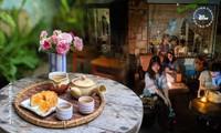 Đà Nẵng: Dừng chân một chút, ăn miếng bánh uống ngụm trà, chill với view cực xịn