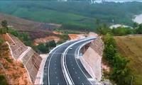 Chiêm ngưỡng vẻ đẹp cao tốc Hạ Long - Vân Đồn trước giờ thông xe