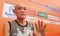 Lão tướng 70 tuổi tiếp tục giữ kỷ lục trên đường chạy Marathon Tiền phong