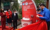 Đưa trạm rửa tay dã chiến đầu tiên ở Hà Nội vào sử dụng