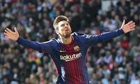 Messi tỏa sáng với cú sút phạt đền thành công và 1 pha kiến tạo giúp Barcelona thắng đậm 3-0.