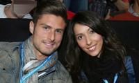 Giroud từ chối Everton vì vợ không muốn rời London.
