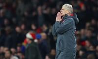 HLV Wenger báo tin không vui về nhân sự Arsenal.
