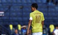 Teerasil Dangda có trận đấu thứ 100 cho ĐT Thái Lan. Ảnh: Zing.