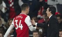 HLV Emery quyết định loại Granit Xhaka khỏi đội hình Arsenal đấu Liverpool.