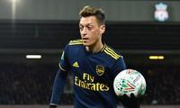 Mesut Ozil đã chơi hay trước Liverpool.