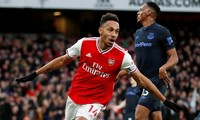 Pierre-Emerick Aubameyang lập cúp đúp giúp Arsenal ngược dòng trước Everton.
